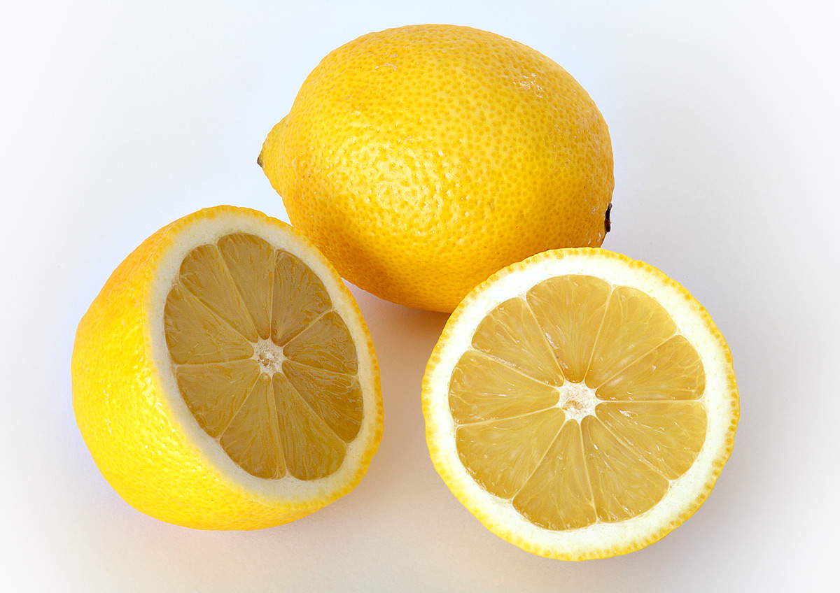Benefits of Lemon Essential Oils